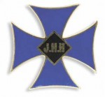 Graduates of the Johns Hopkins Hospital School of Nursing wore the Maltese Cross Pin, adopted by the Alumni Association at its founding in 1892.  [Photo © The Alan Mason Chesney Medical Archives]