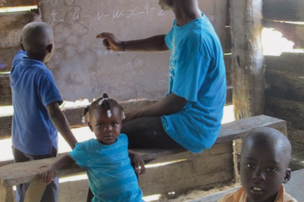Feature_Haiti_KidsLearn