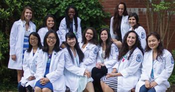 Jasmine Kaneshiro, Accel. '15 with group of nurses